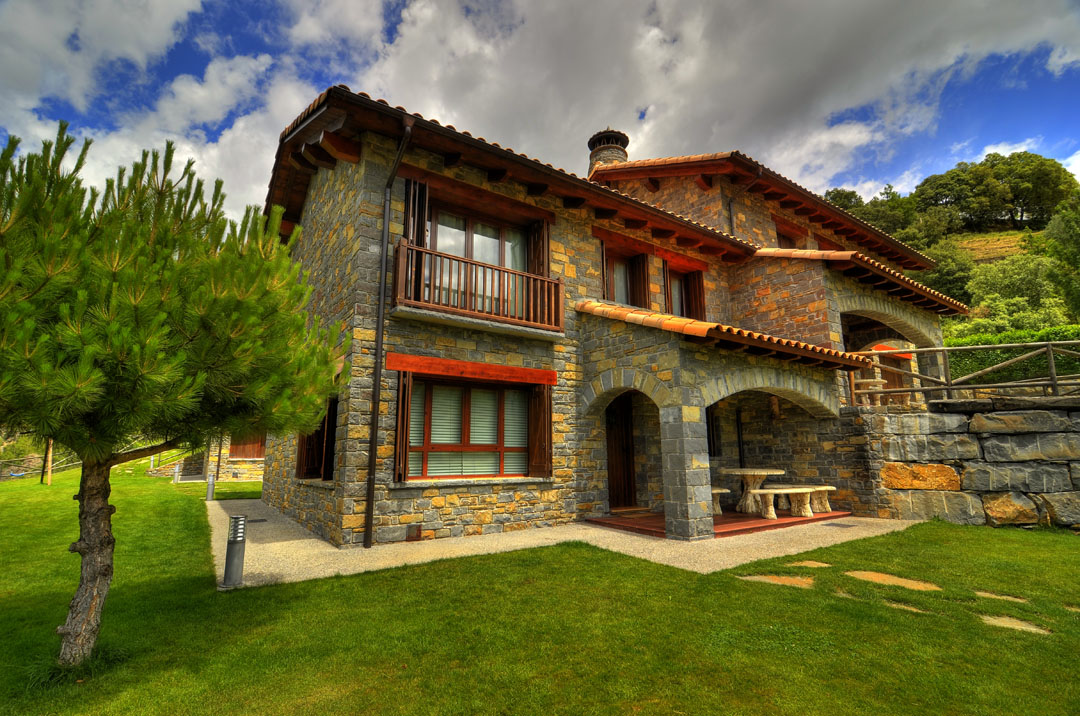 Casas rurales en los pirineos huesca situaci n pirineo casas ordesa huesca parque nacional de - Casa rural huesca jacuzzi ...